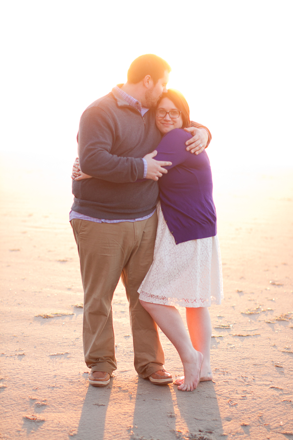 oregon-elopement-beach-sunset-embrace