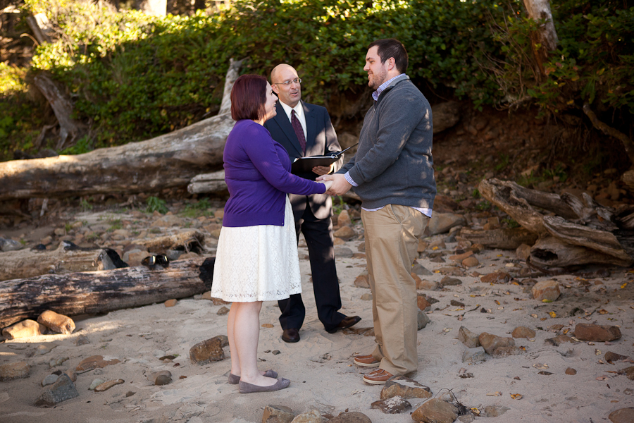oregon-elopement-ceremony-tillamook-beach