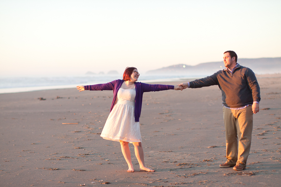 oregon-elopment-dancing-beach