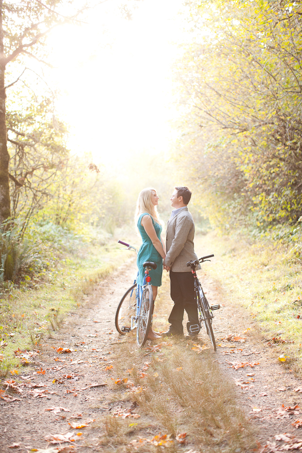 portland engagement sauvie island bikes sunset