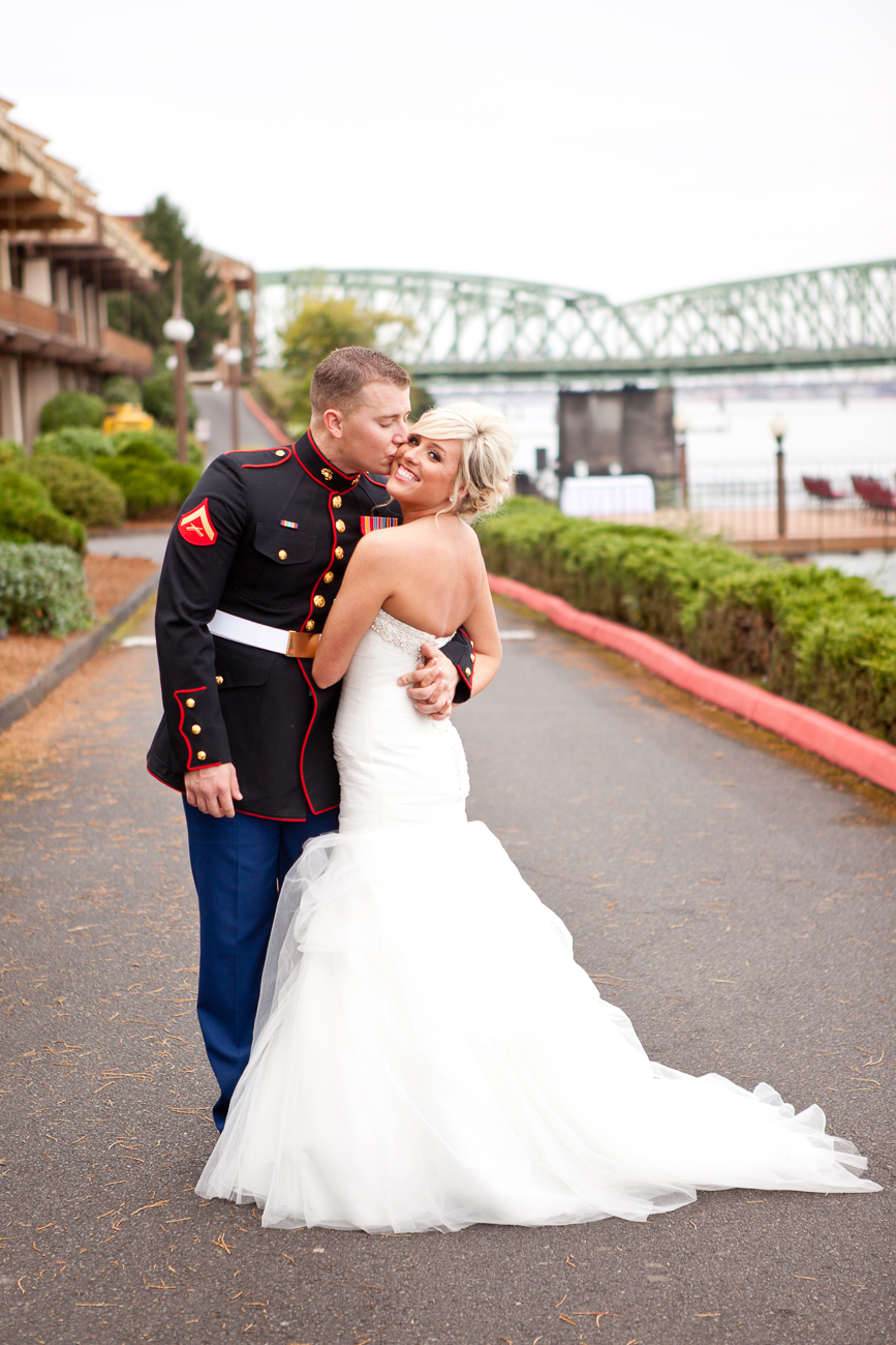 portland-wedding-photos-columbia-river-1-12