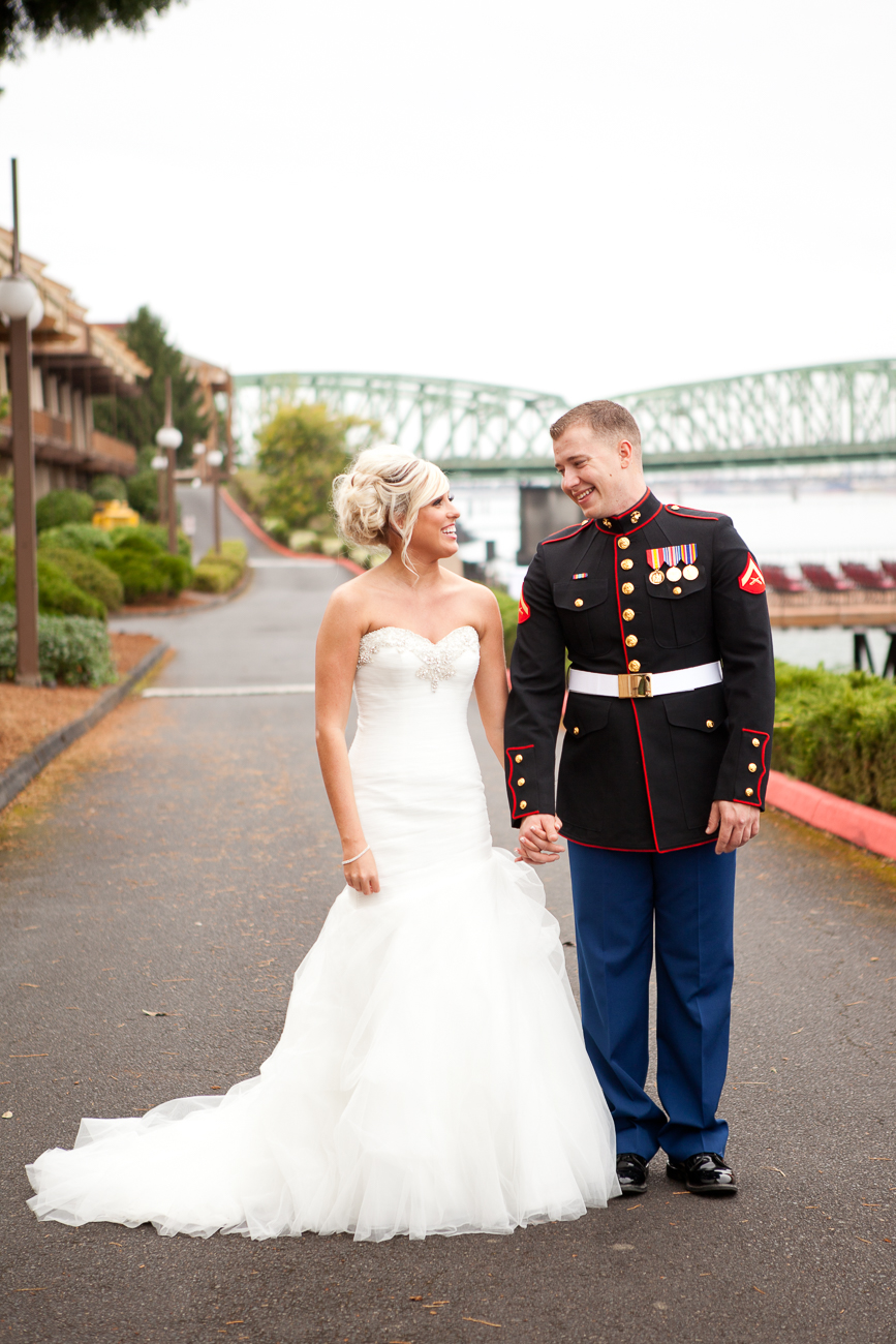 portland-wedding-photos-columbia-river-1