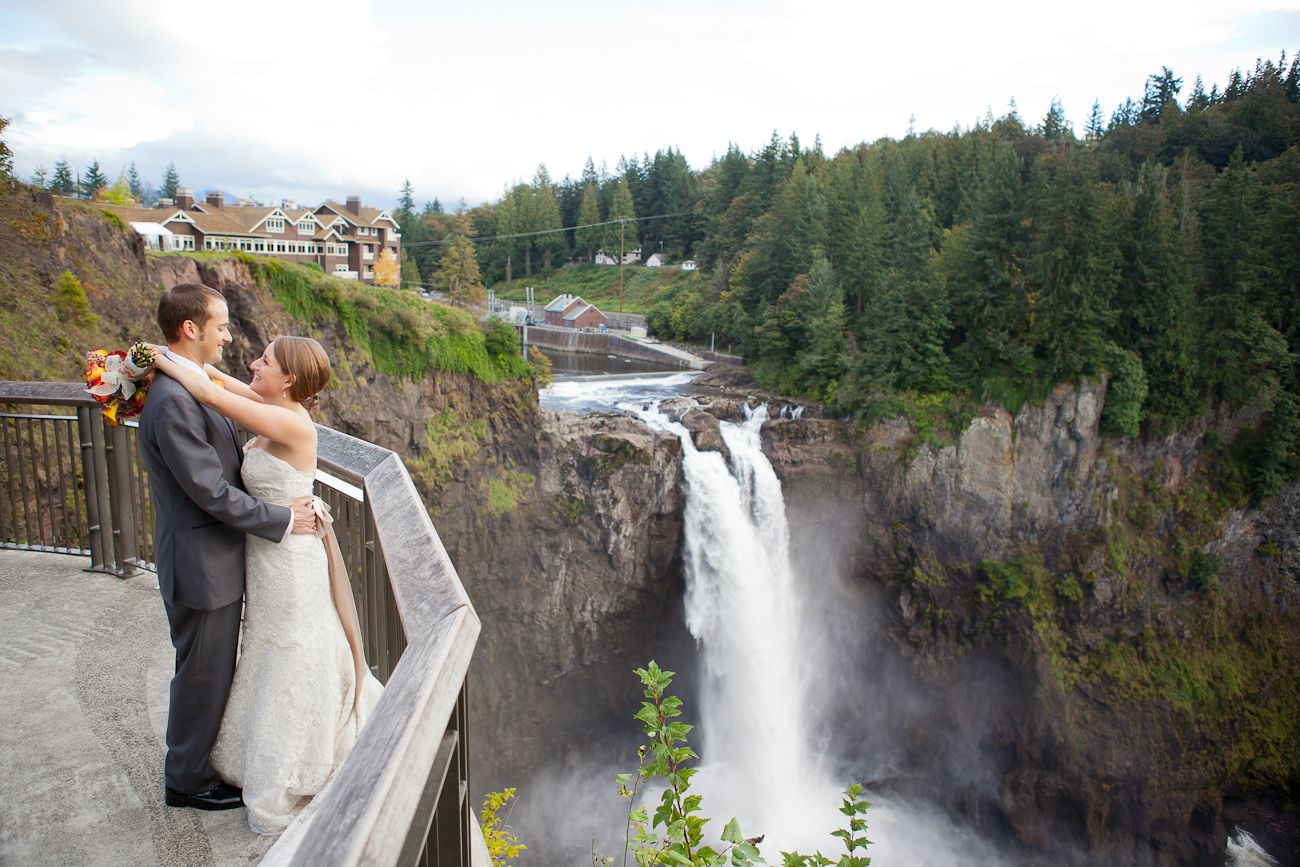 snoqualmie-falls-beautiful-wedding-photo-ideas