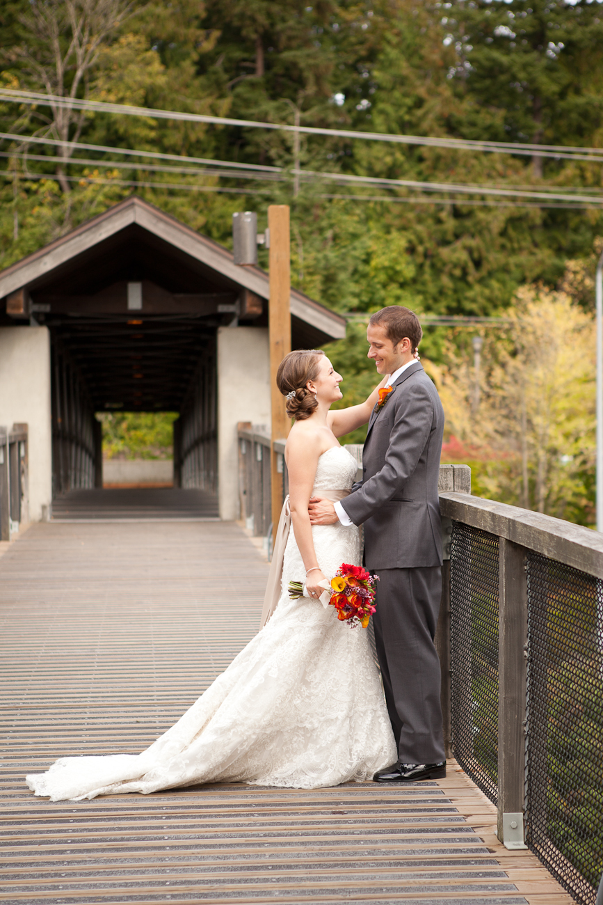snoqualmie-falls-wedding-portraits
