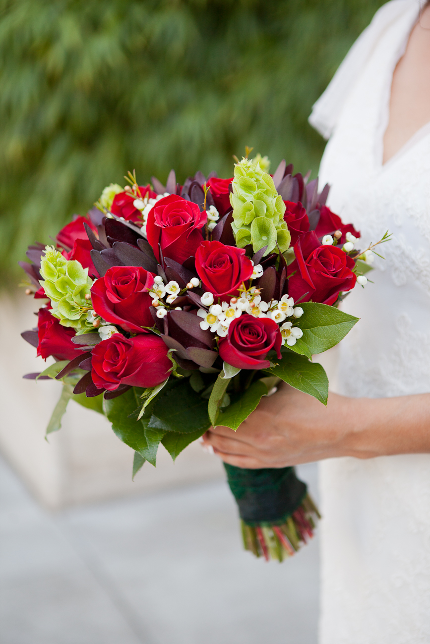 wedding_bouquet_red_roses_portland