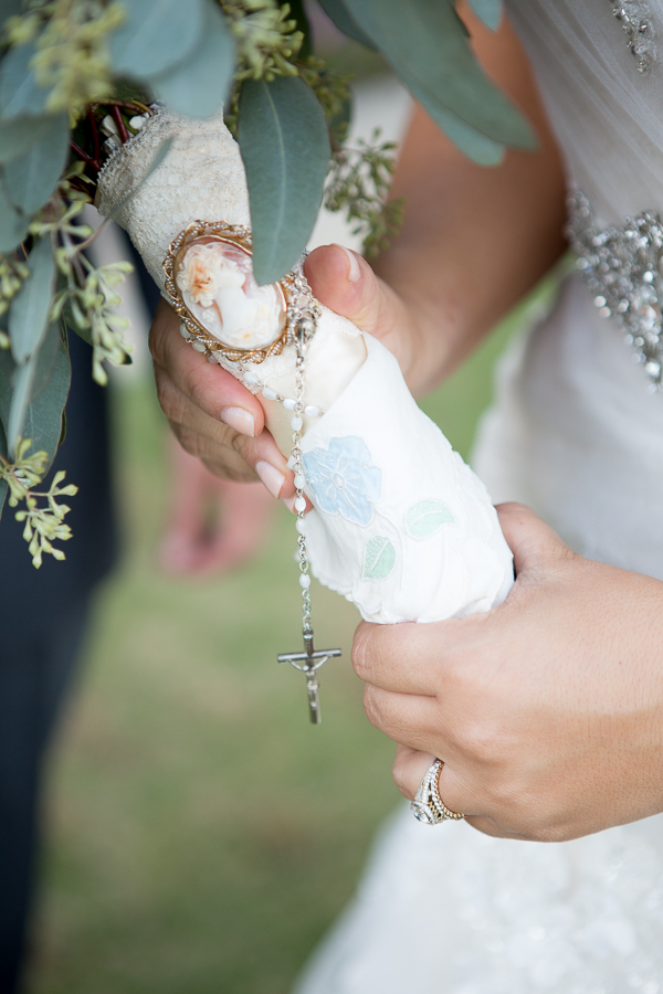 wedding bouquet with antique broach-1